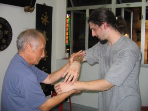 Grandmaster Ip Chun with Peter Foreman of the Hammersmith and Northaw branches of the UK Wing Chun Assoc.